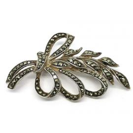 Stg Marcasite Flower & Ribbon Brooch image