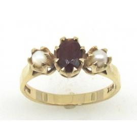 9ct Garnet and Pearl Ring image