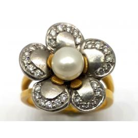 22ct/Palladium Pearl Diamond Flower Ring image